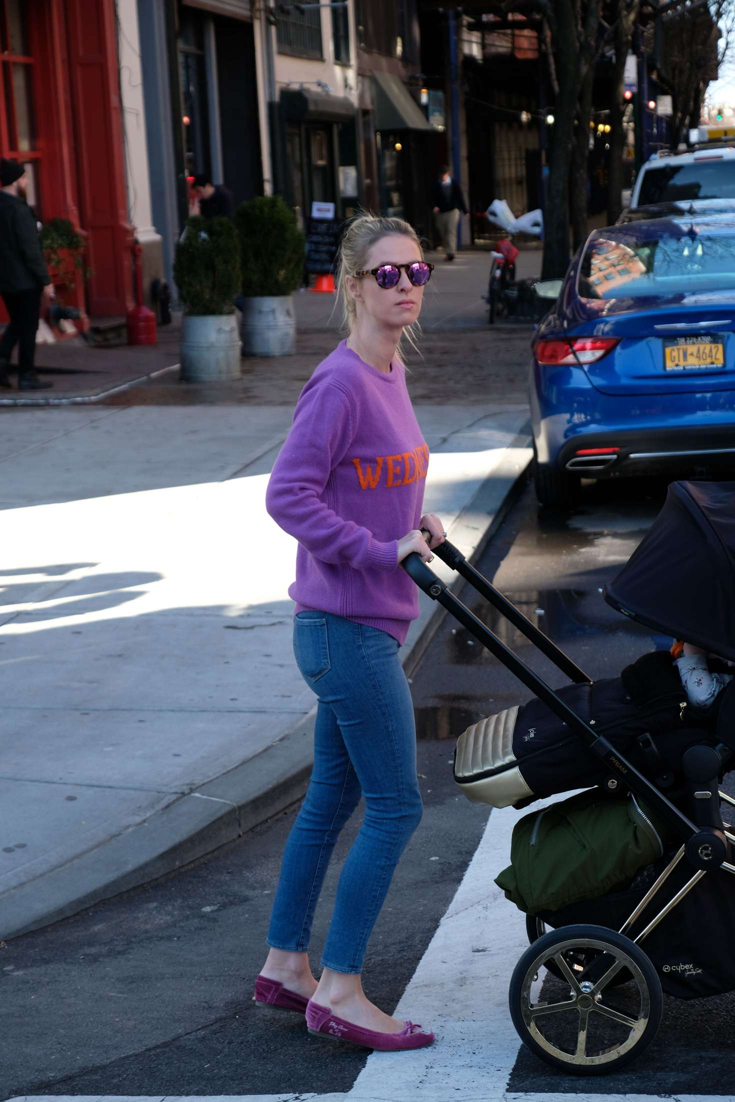 Nicky Hilton 2017 : Nicky Hilton with her baby out in Soho -05