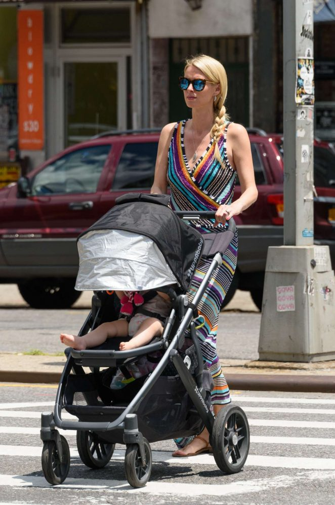 Nicky Hilton with her daughter Lily-Grace -02