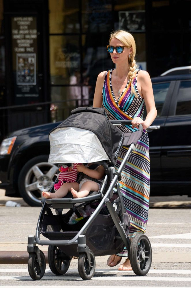 Nicky Hilton with her daughter Lily-Grace -03