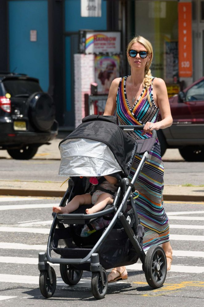 Nicky Hilton with her daughter Lily-Grace -05