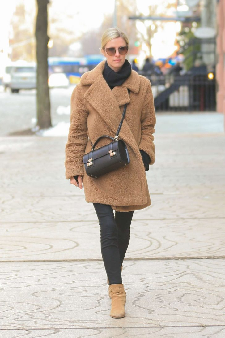 Nicky Hiltonin Brown Coat -01