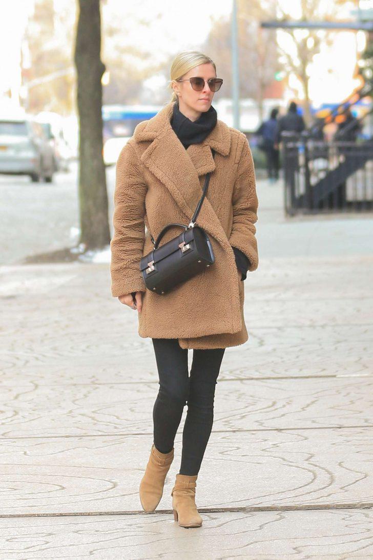 Nicky Hiltonin Brown Coat -08