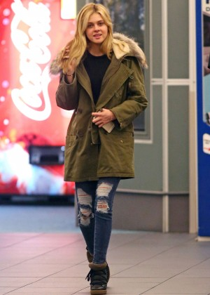 Nicola Peltz in Ripped Jeans at Vancouver International Airport