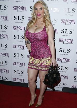 Nicole Coco Austin - Celebrated her Birthday in Las Vegas