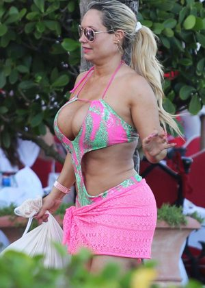 Nicole Coco Austin in Pink Swimsuit in Miami