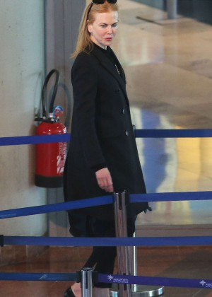 Nicole Kidman Arrives at the Airport in France