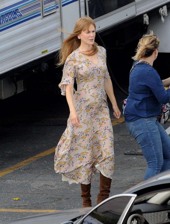 Nicole Kidman - Arriving on the set of 'Big Little Lies' in Los Angeles