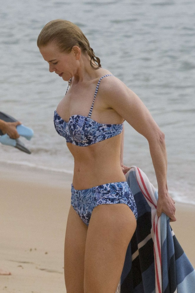 Nicole Kidman in Bikini at Balmoral Beach in Sydney