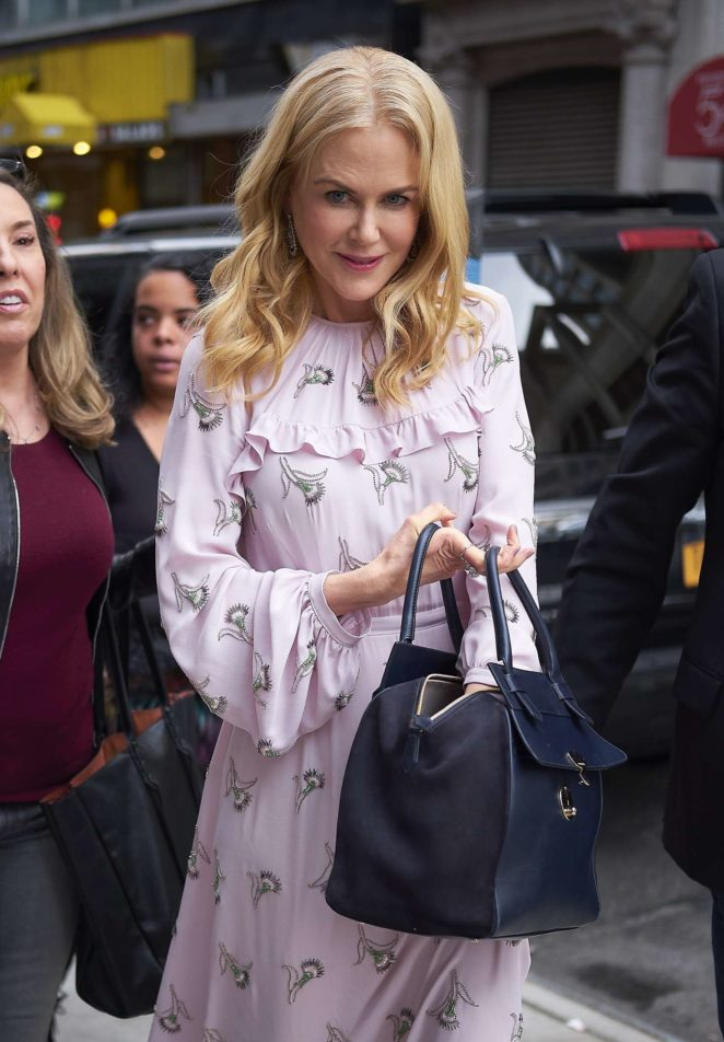Nicole Kidman in pink out in NYC