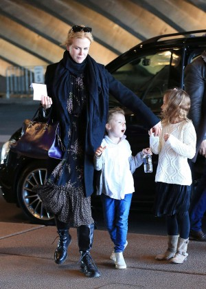 Nicole Kidman - Opera house with her family in Sydney