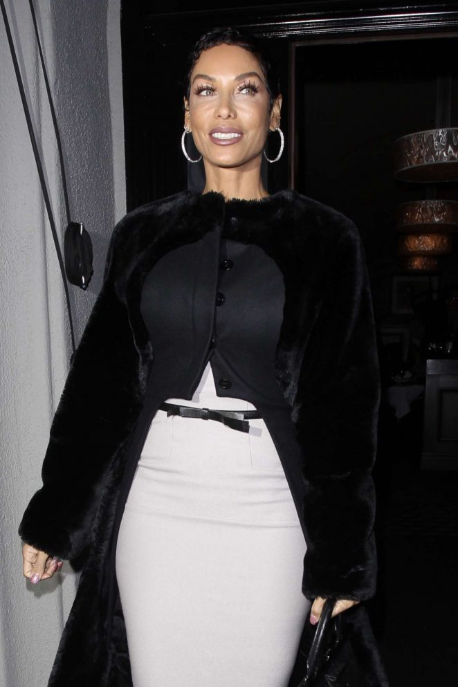 Nicole Murphy Arrives for dinner in West Hollywood
