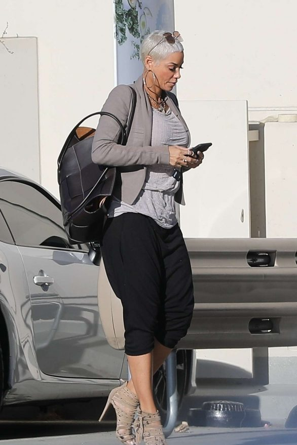 Nicole Murphy at Pavilions in West Hollywood