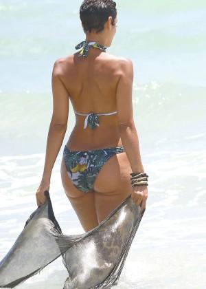 Nicole Murphy in Bikini -05