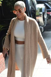 Nicole Murphy - Heads to lunch in Beverly Hills
