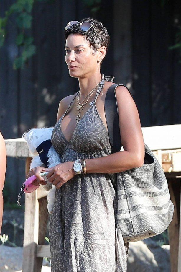 Nicole Murphy in a summery dress as she leaves Malibu Cafe