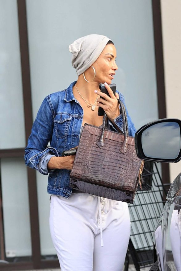 Nicole Murphy - Shopping in West Hollywood