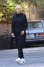 Nicole Murphy - Shows off her new hair cut and color in Hollywood