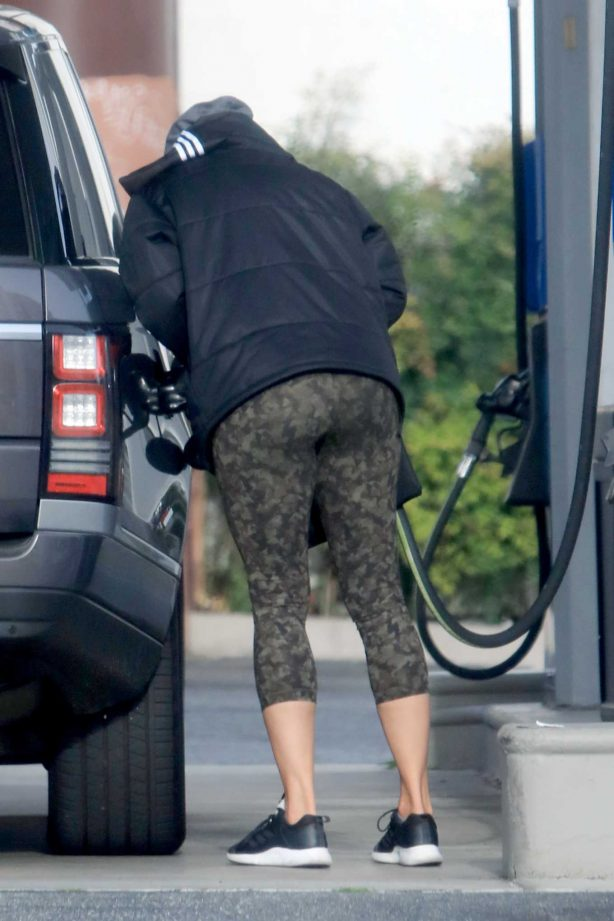 Nicole Murphy - Stops for Gas in West Hollywood