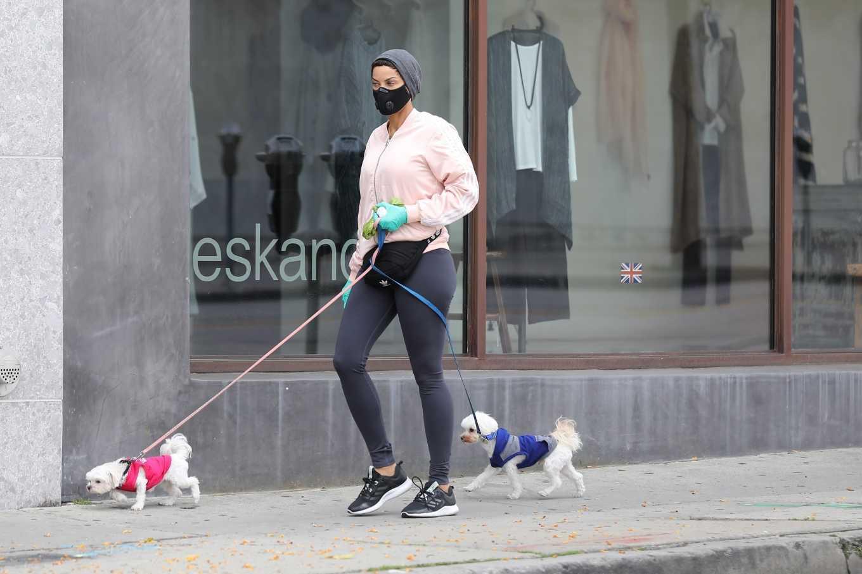 Nicole Murphy 2020 : Nicole Murphy – Takes her dog for a walk during Coronavirus lockdown in Beverly Hills-04