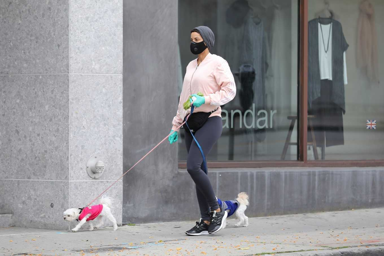 Nicole Murphy 2020 : Nicole Murphy – Takes her dog for a walk during Coronavirus lockdown in Beverly Hills-08