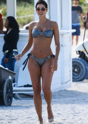 Nicole Murphy Hot in Bikini on Miami Beach