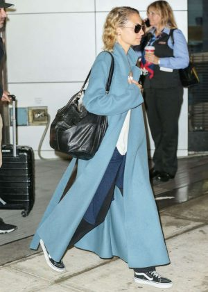 Nicole Richie - Arrives at JFK airport in New York