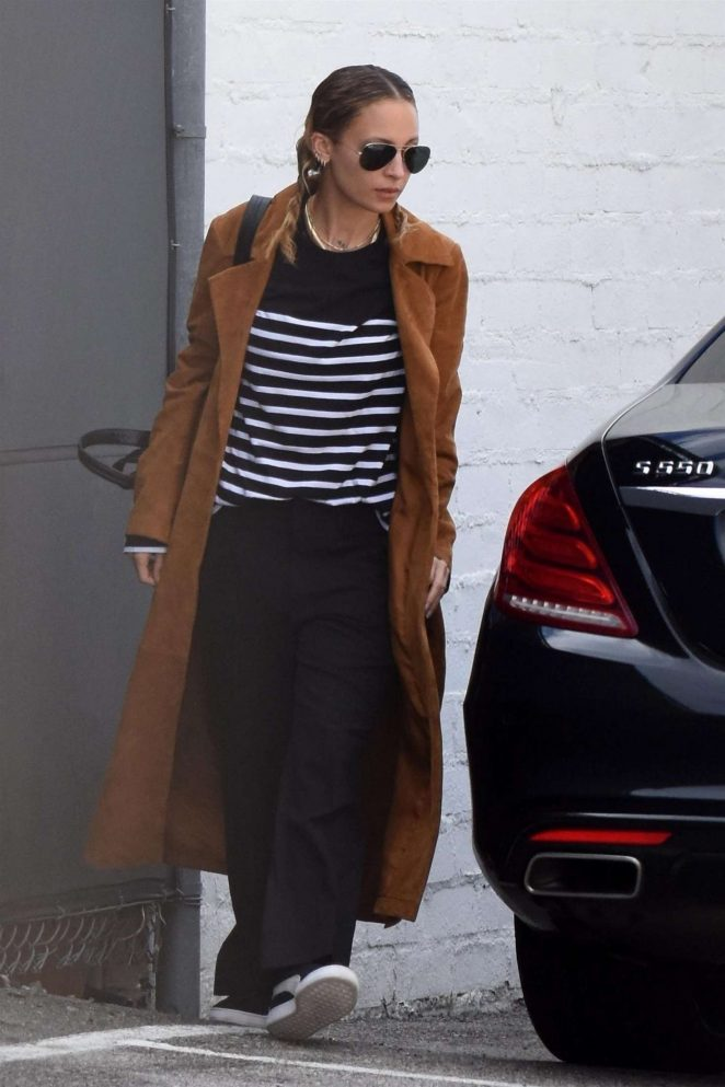 Nicole Richie in Long Coat out in Studio City