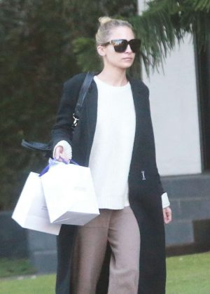 Nicole Richie Leaving a friends house in Sherman Oaks