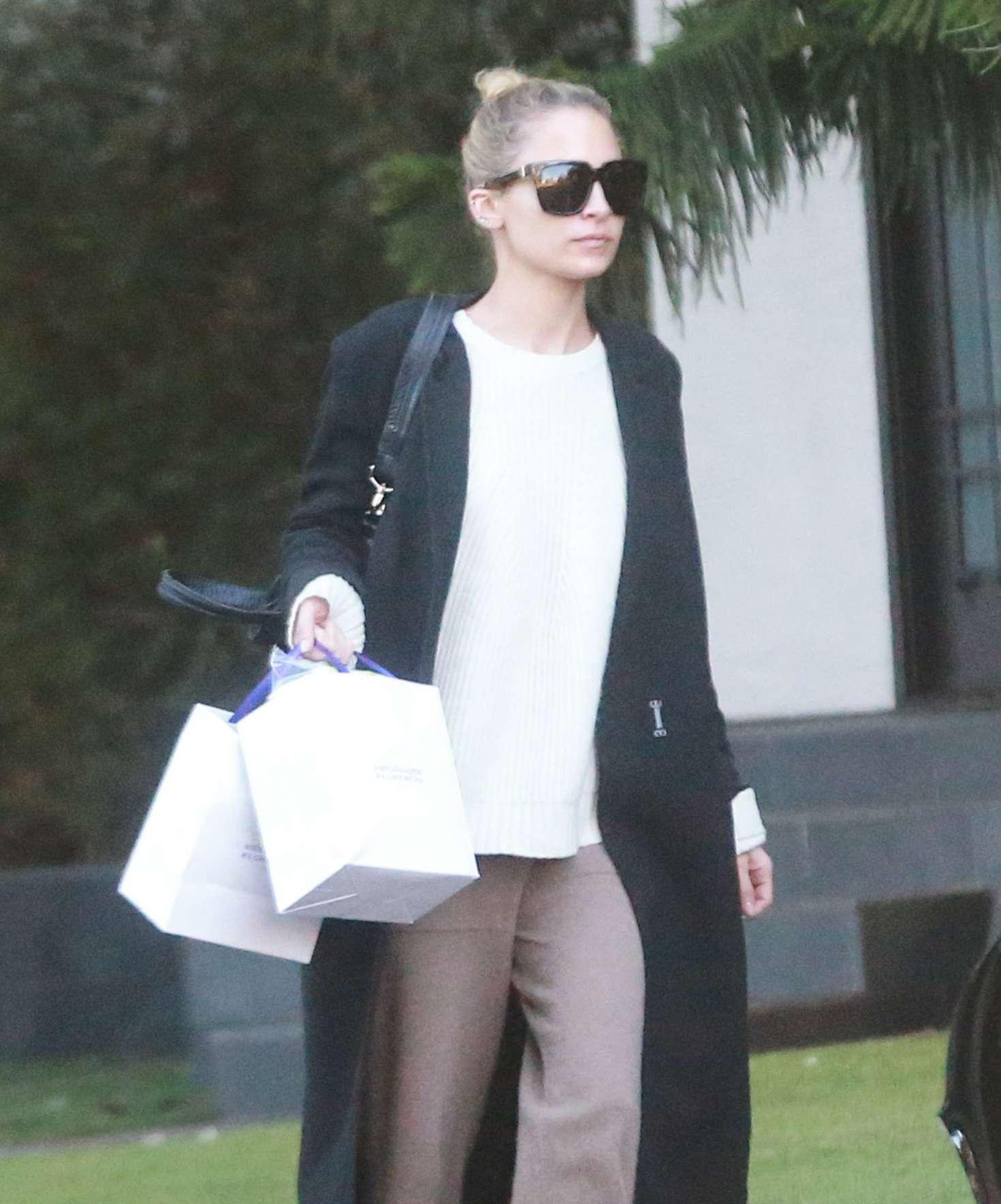 Nicole Richie Leaving a friends house in Sherman Oaks