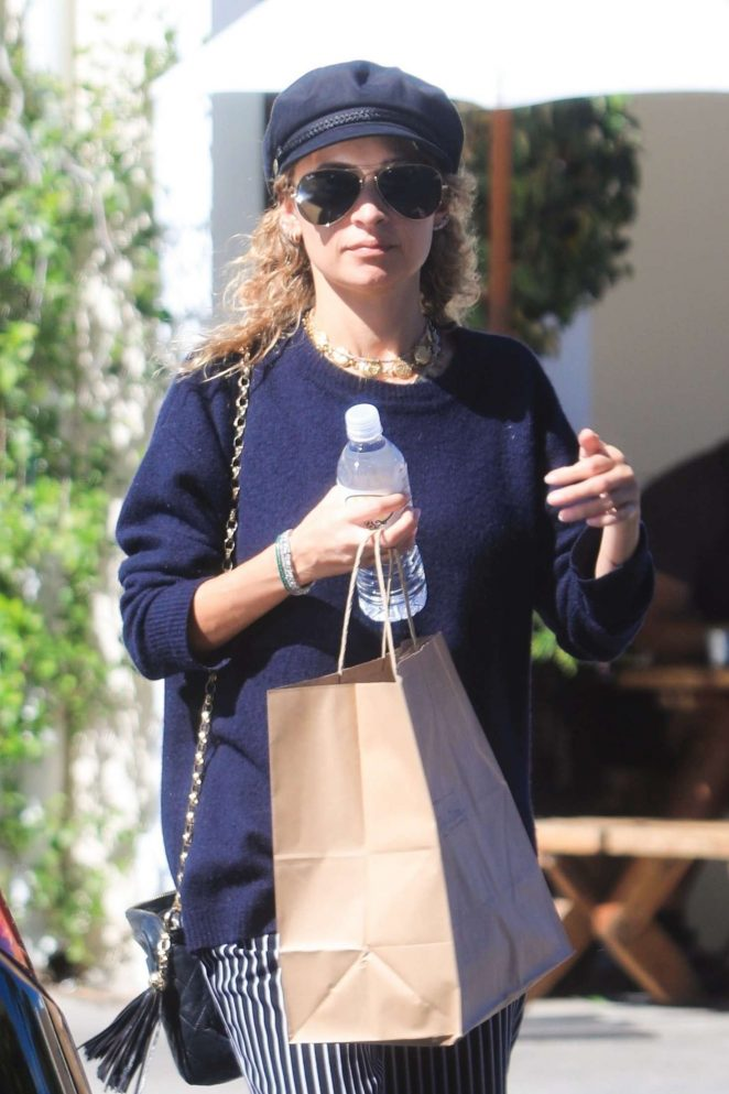 Nicole Richie – Out in Los Angeles