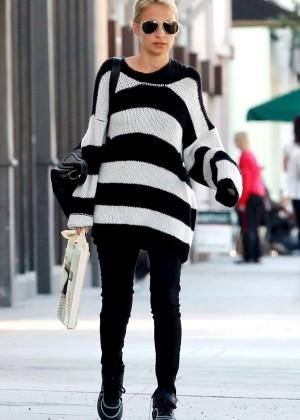 Nicole Richie - Shopping in Sherman Oaks