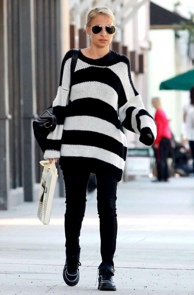 Nicole Richie – Shopping in Sherman Oaks
