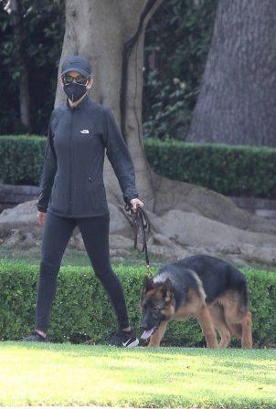 Nicole Richie - walks her dog in Beverly Hills
