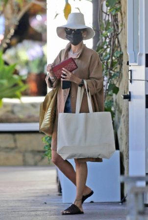 Nicole Richie - Wear Earthy-ensamble in Los Angeles