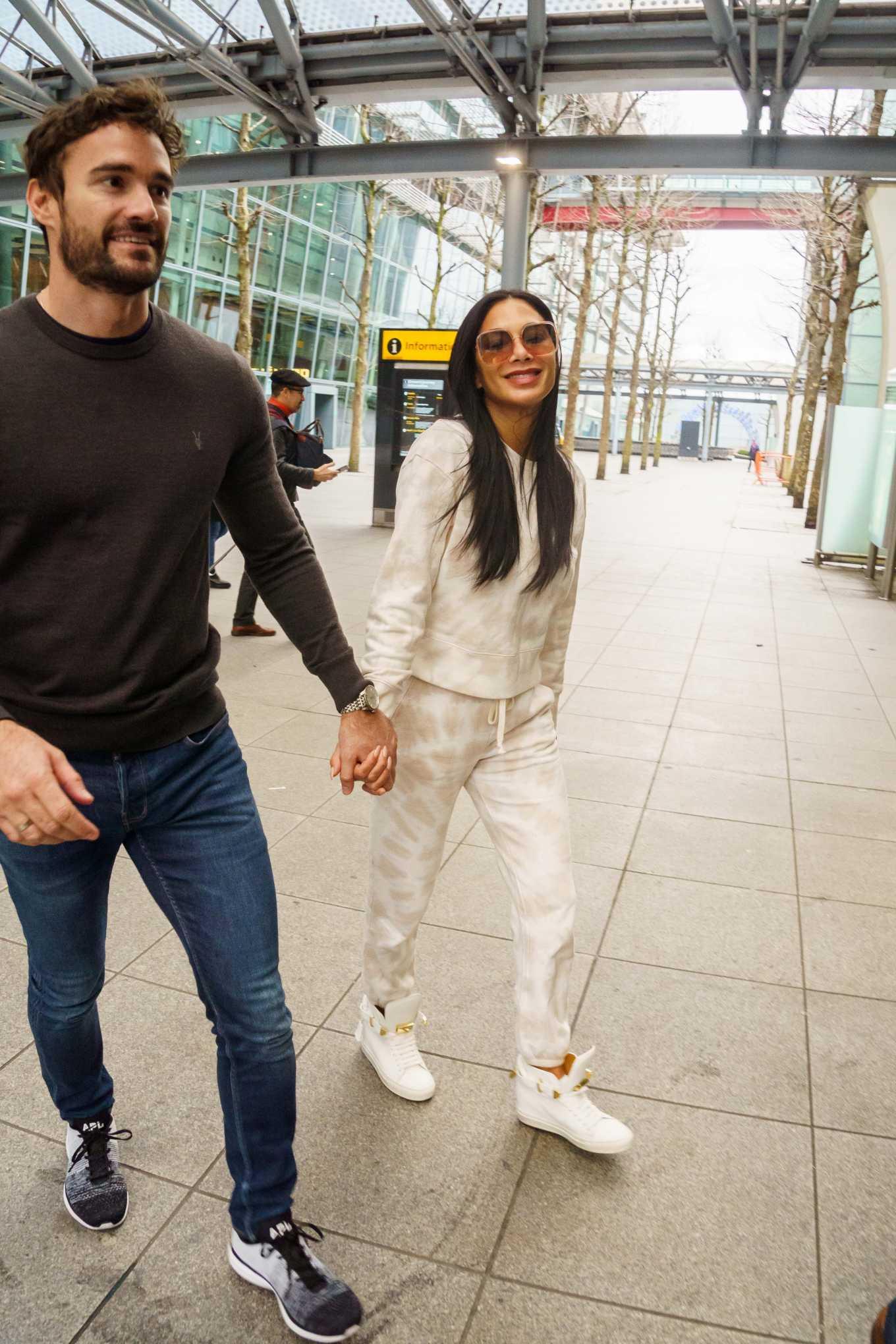 Nicole Scherzinger 2020 : Nicole Scherzinger And Boyfriend Tom Evans – Arrive In The UK-03