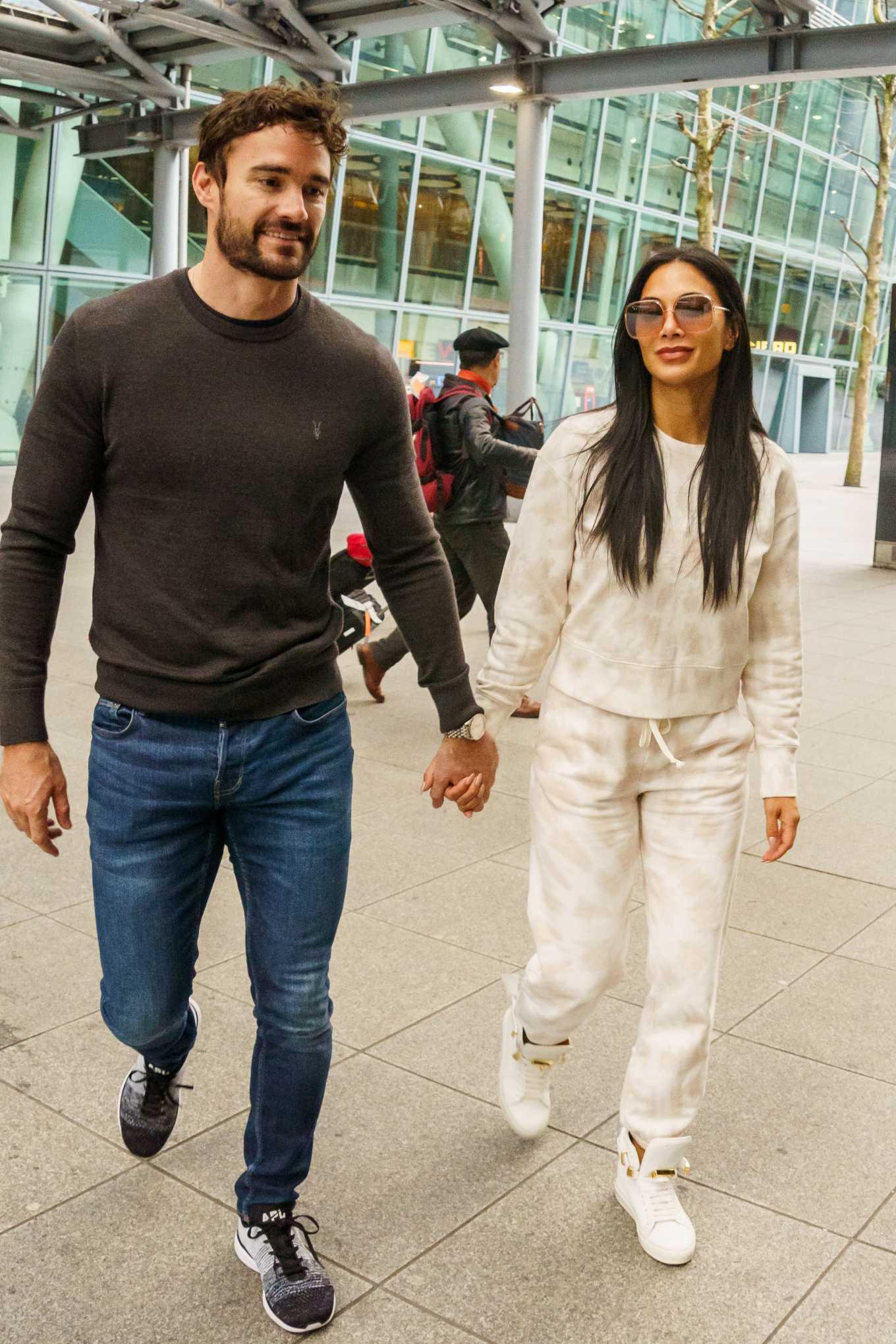 Nicole Scherzinger 2020 : Nicole Scherzinger And Boyfriend Tom Evans – Arrive In The UK-05