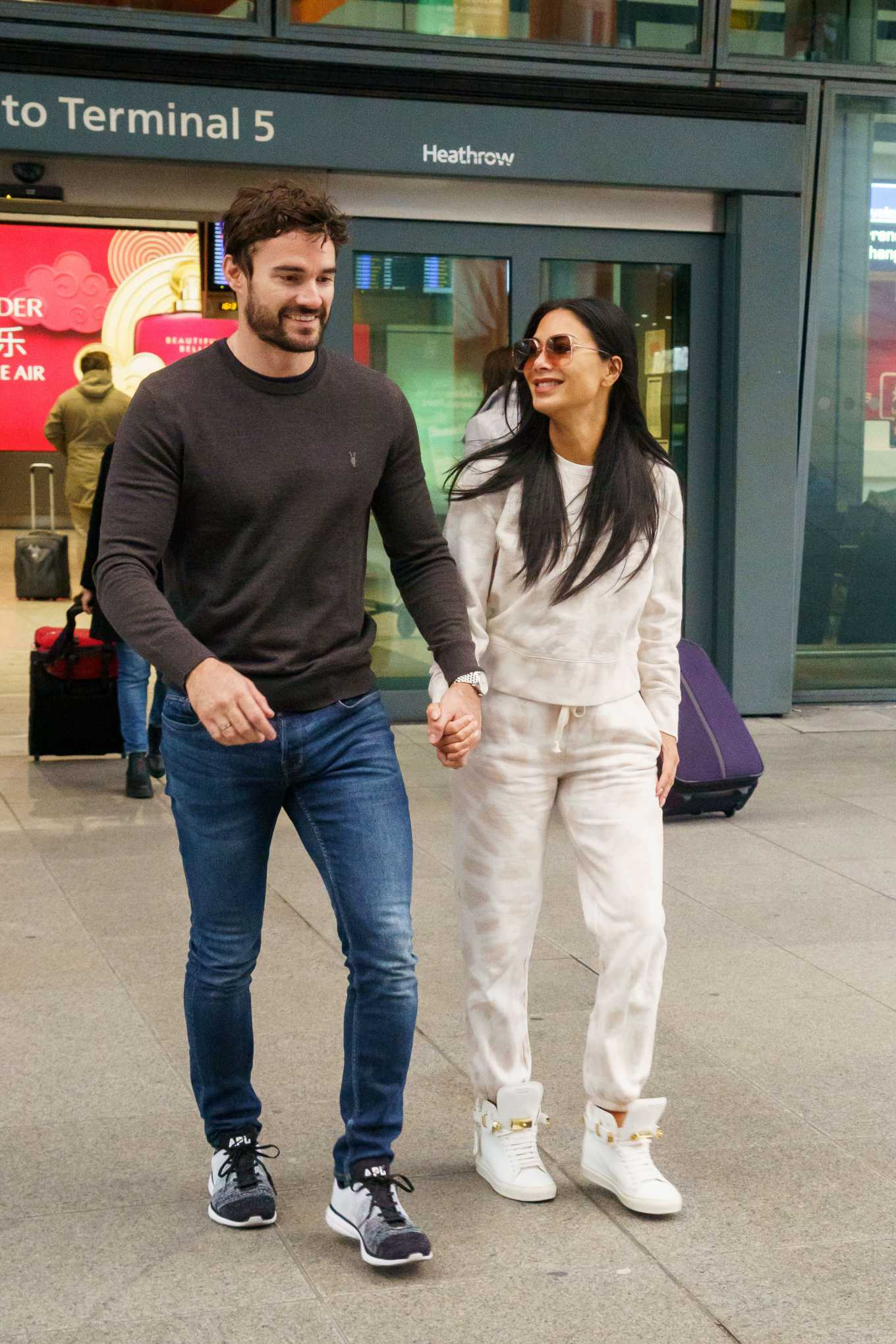 Nicole Scherzinger 2020 : Nicole Scherzinger And Boyfriend Tom Evans – Arrive In The UK-07