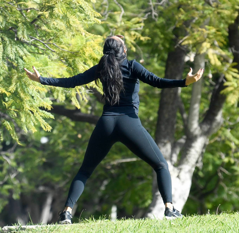 Nicole Scherzinger and Thom Evans - Workout candids in an LA park