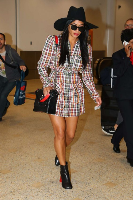 Nicole Scherzinger 2019 : Nicole Scherzinger – Arrives at Sydney International Airport-02