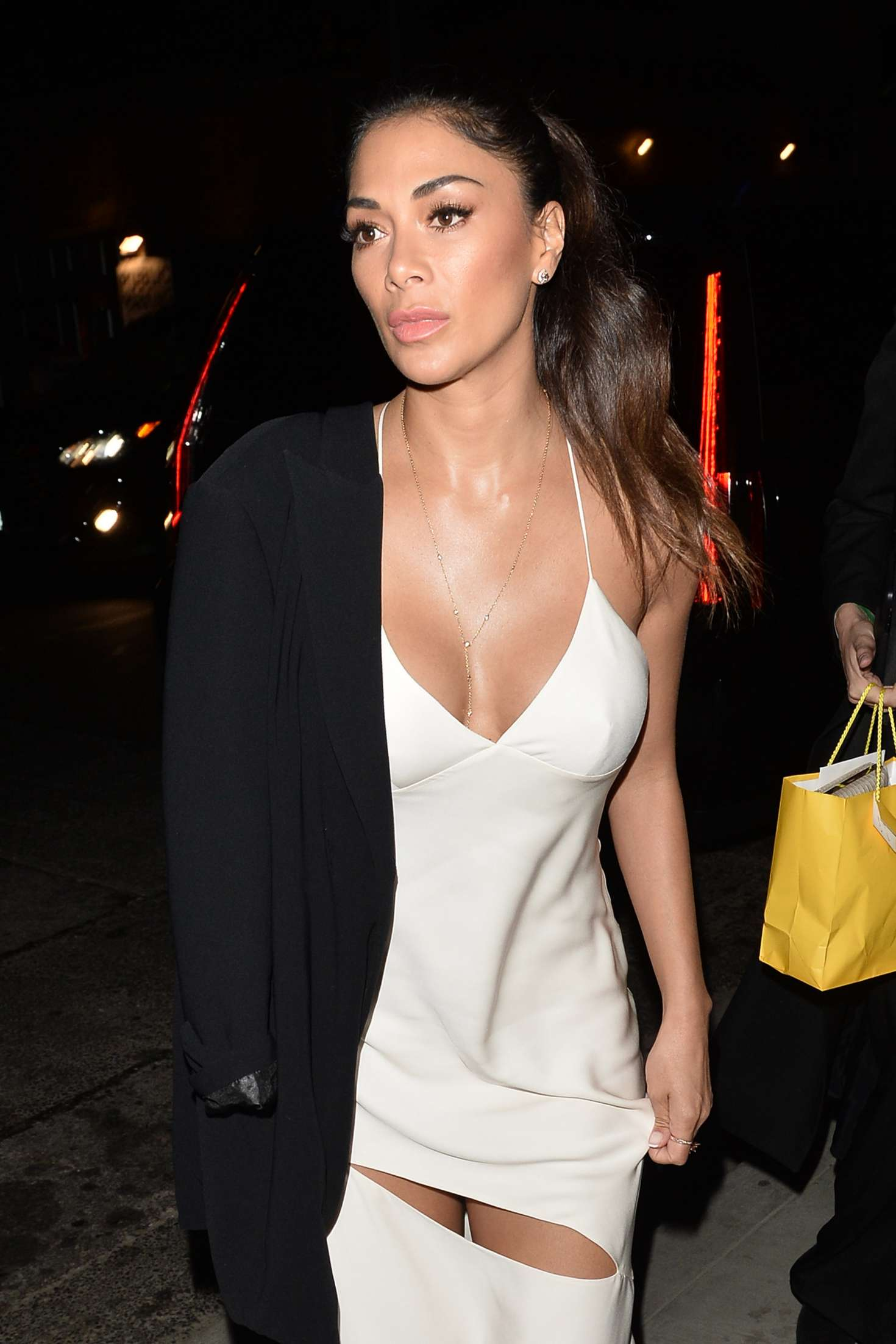 Nicole Scherzinger - Arriving at Beauty and Essex in Hollywood