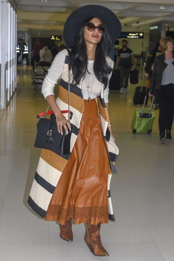 Nicole Scherzinger 2019 : Nicole Scherzinger at Sydney Airport-02