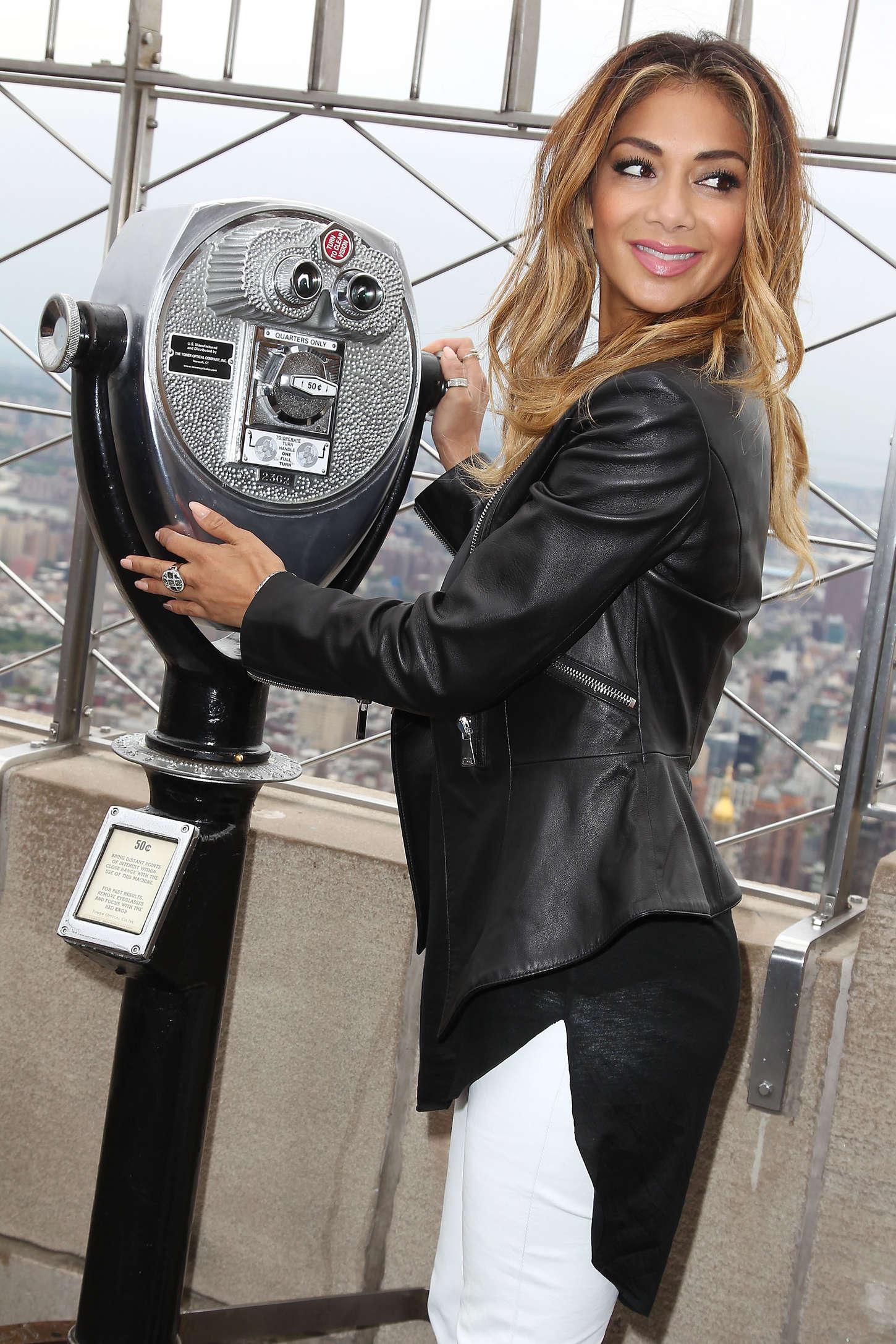 Nicole-Scherzinger:-Empire-State-Buildin