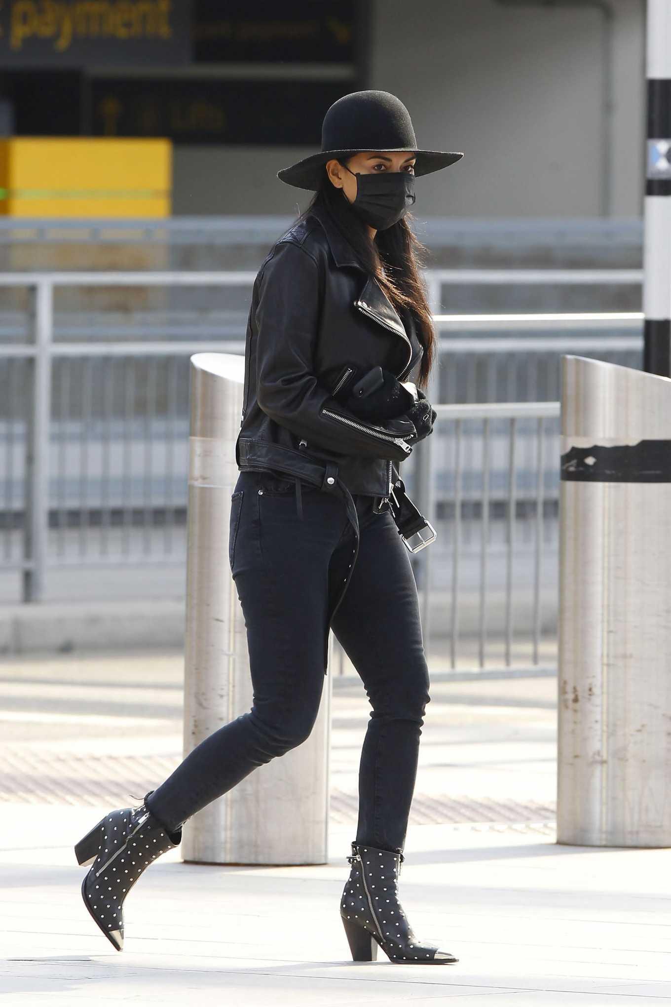 Nicole Scherzinger 2020 : Nicole Scherzinger – Flying out of Heathrow Airport-02