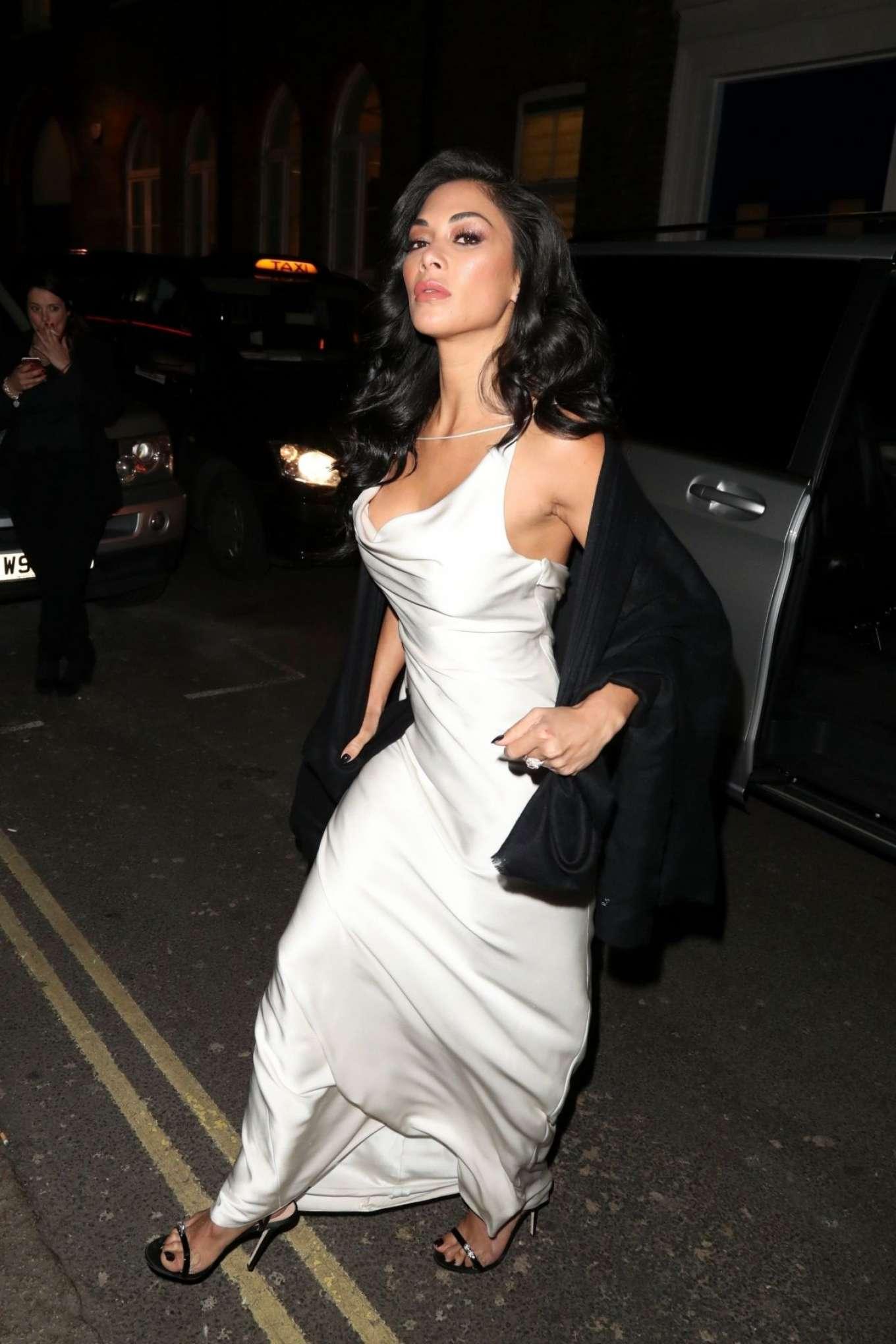 Nicole Scherzinger In White Dress  U2013 Leaves Ivy Restaurant