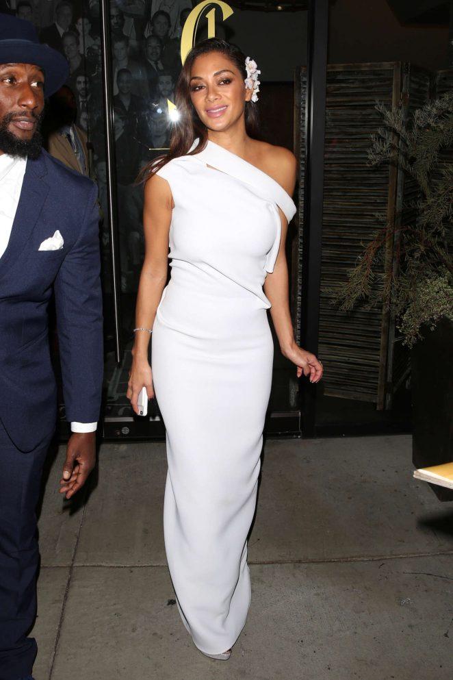 Nicole Scherzinger: Leaves Catch LA -09