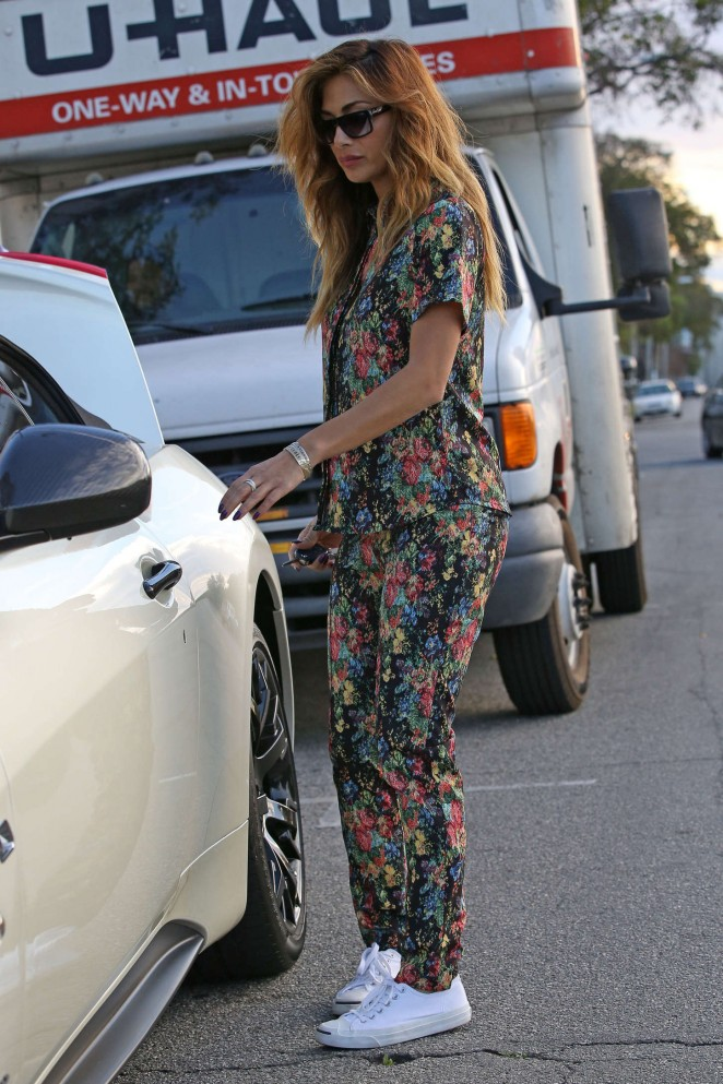 Nicole Scherzinger: Out in West Hollywood -09