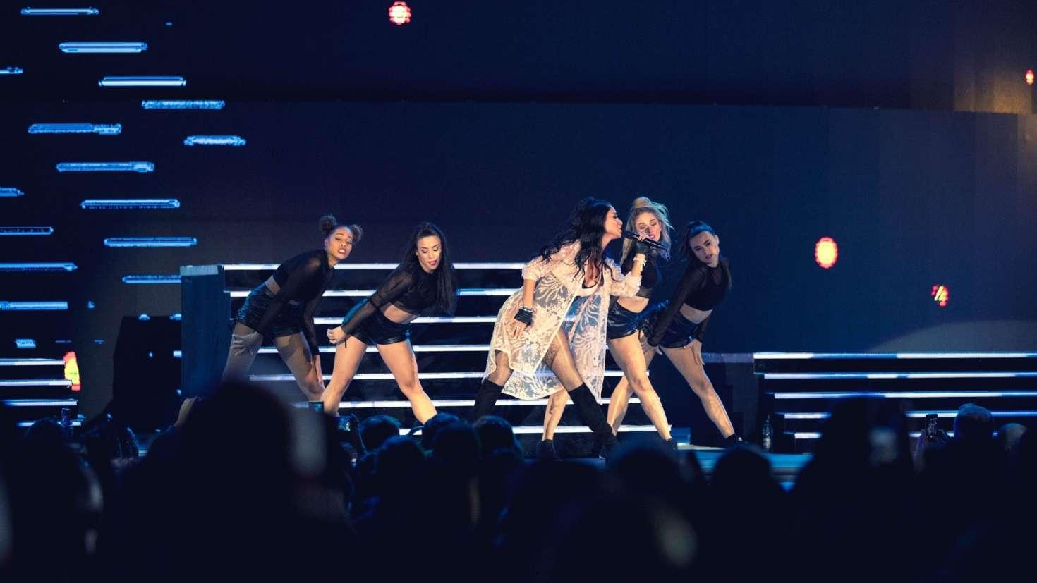 Nicole Scherzinger - Performing at the Cerbul de Aur