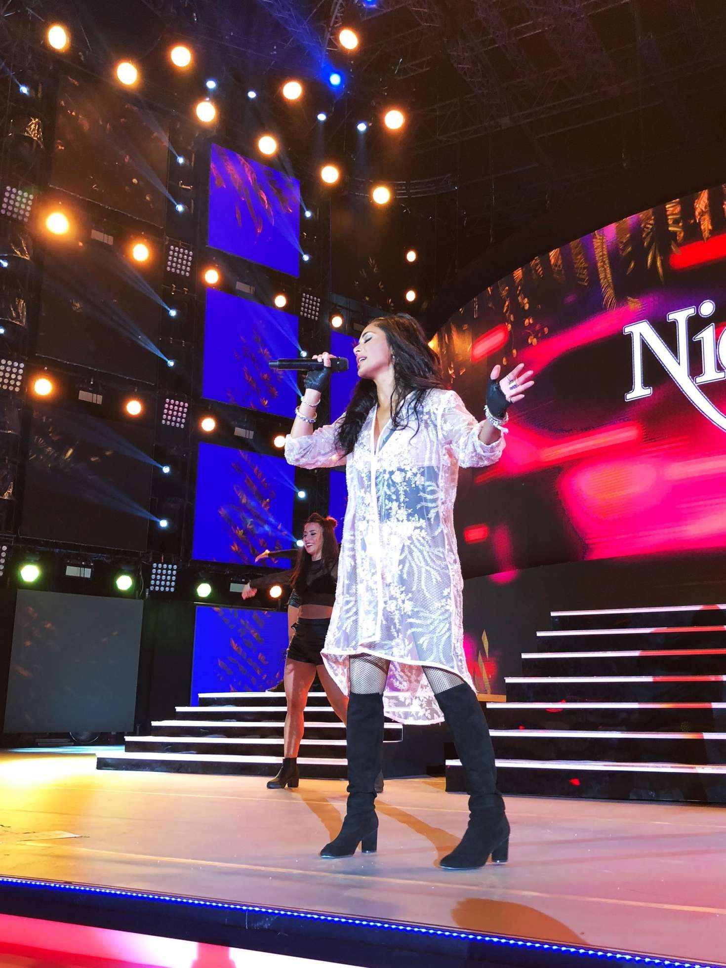 Nicole Scherzinger: Performing at the Cerbul de Aur