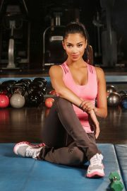 Nicole Scherzinger Poses during a workout - Personal