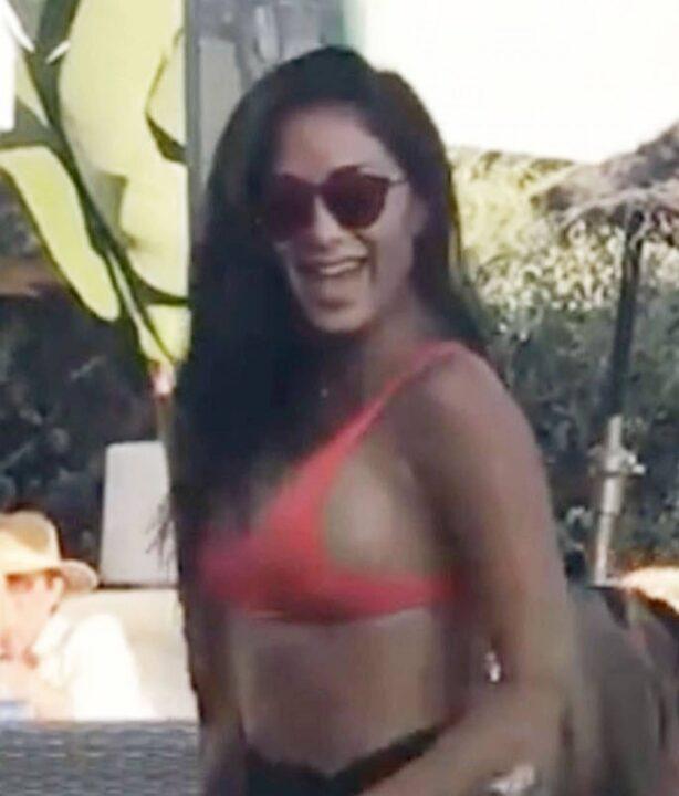 Nicole Scherzinger - Seen at the Beach bar 'Almancil' in Portugal